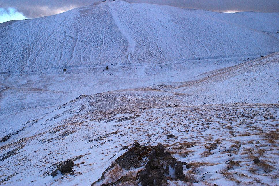 abruzzo-wandeling-uitzicht-bergwand