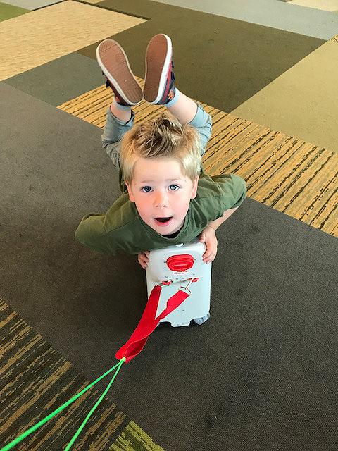bedbox-jetkids-luchthaven-speelmaatje
