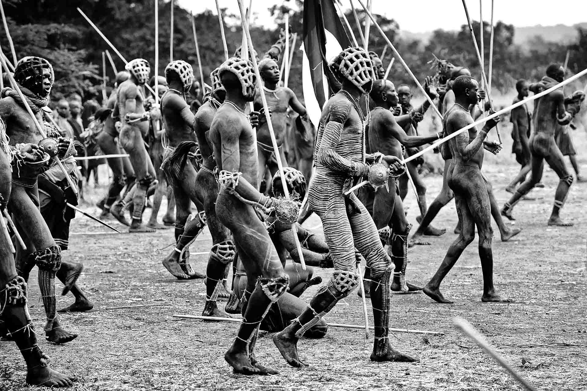 ethiopië-suri-donga-strijders-onderweg