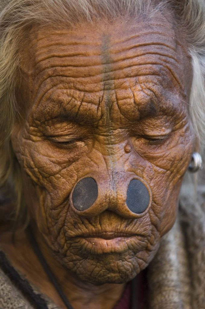 pure-india-stammen-apatani-vrouw