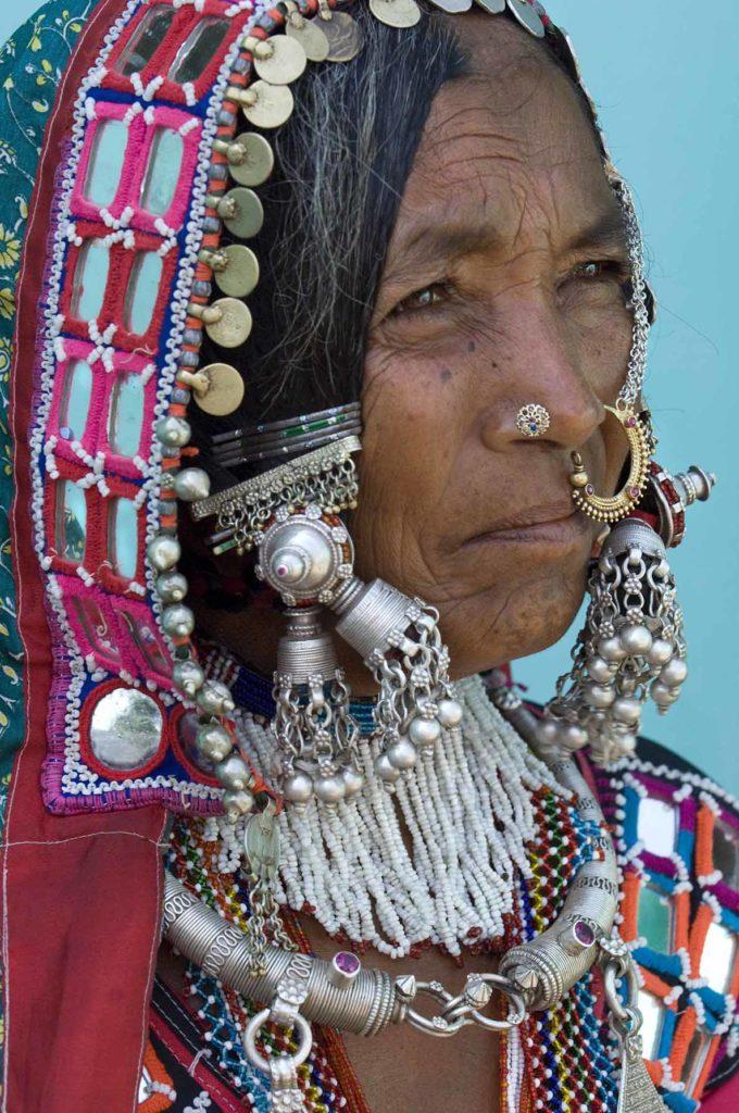 pure-india-stammen-lambadi-vrouw