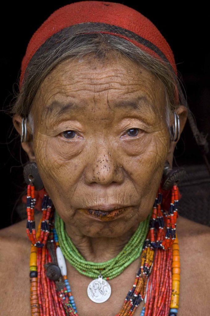 pure-india-stammen-nocte-vrouw-sieraden