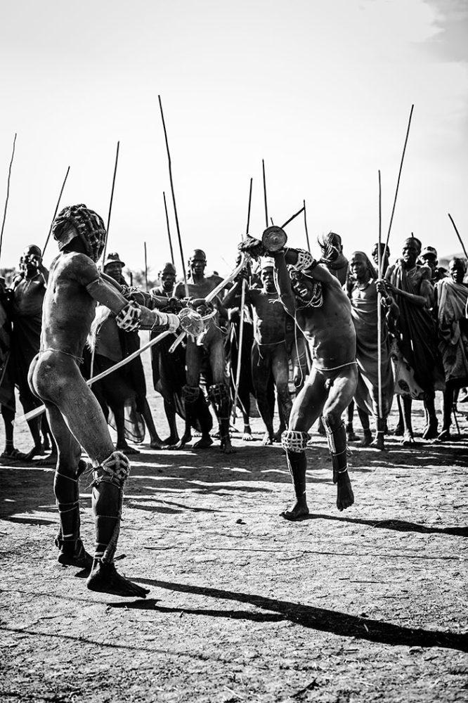 ethiopië-suri-donga-tegenstander-imponeren