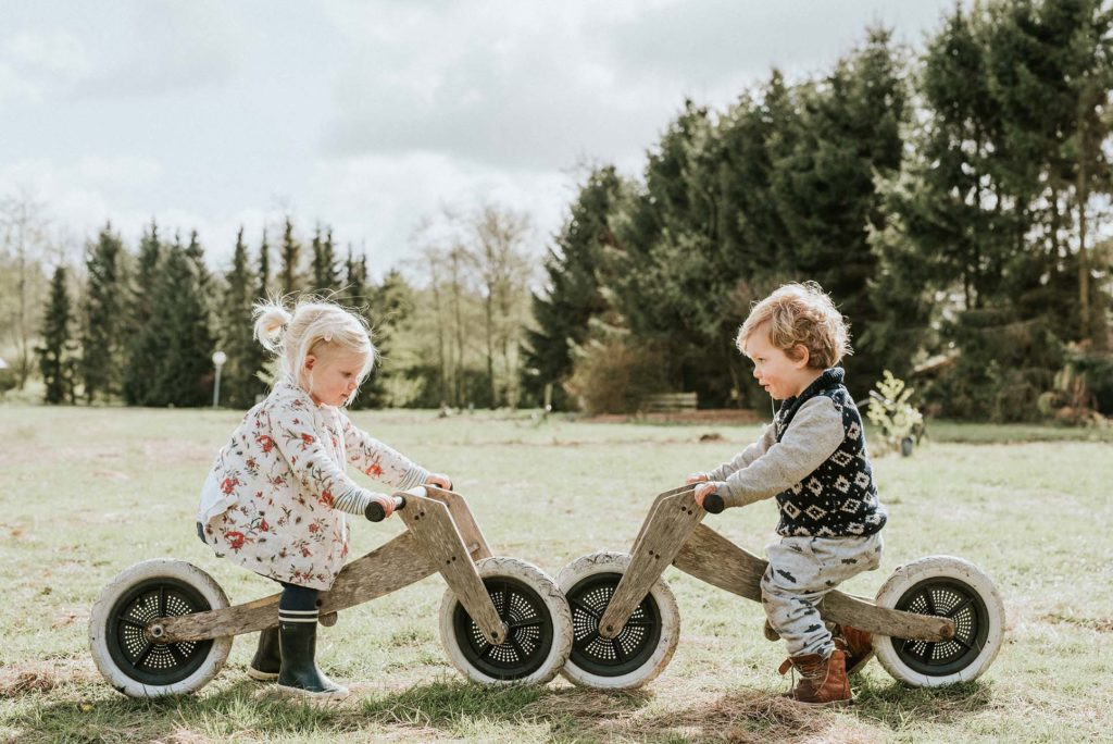 nederland-camping-buitenland-kinderen-fietsjes