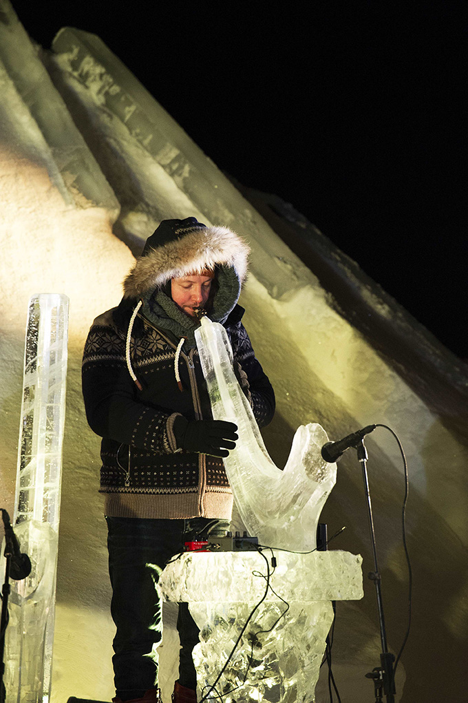 noorwegen-geilo-ijsfestival-grzech-piotrowski-ijssaxofoon