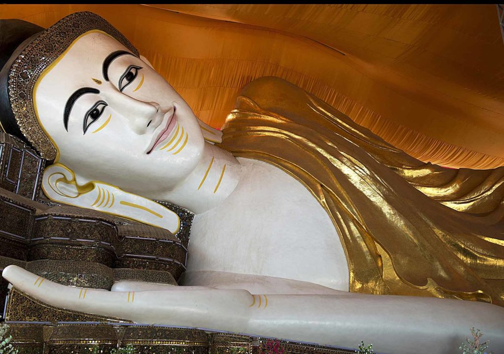 Myanmar-bago-shwethalyaung-shwe-thar-layung-pagode