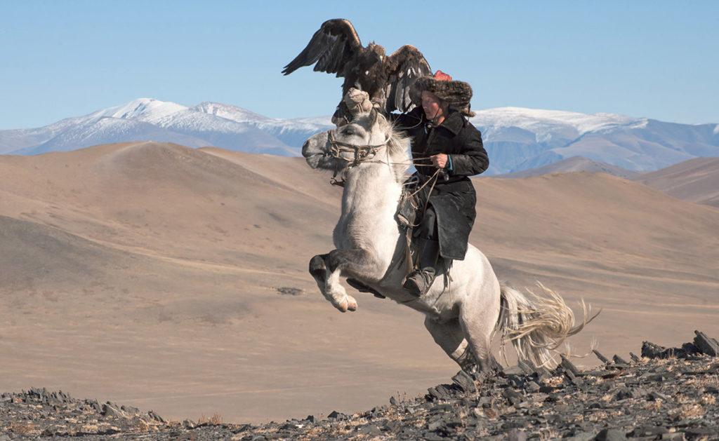 dark-heavens-hamid-sardar-mongolië-jager-adelaar-paard