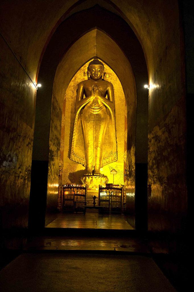 myanmar-bagan-ananda-tempel-kassapa