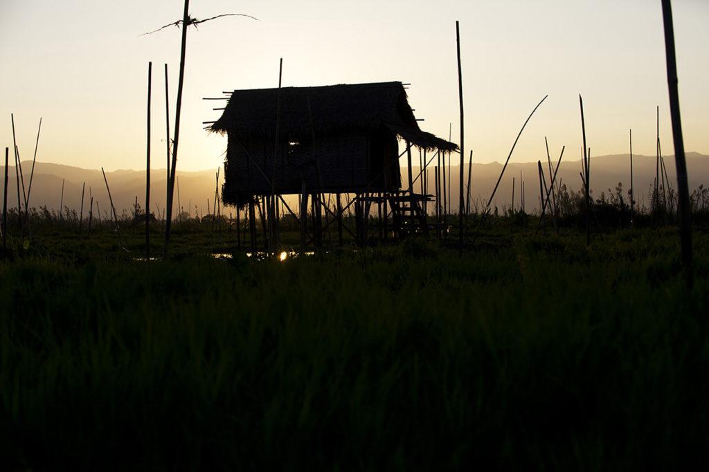 myanmar-inle-lake-zonsondergang