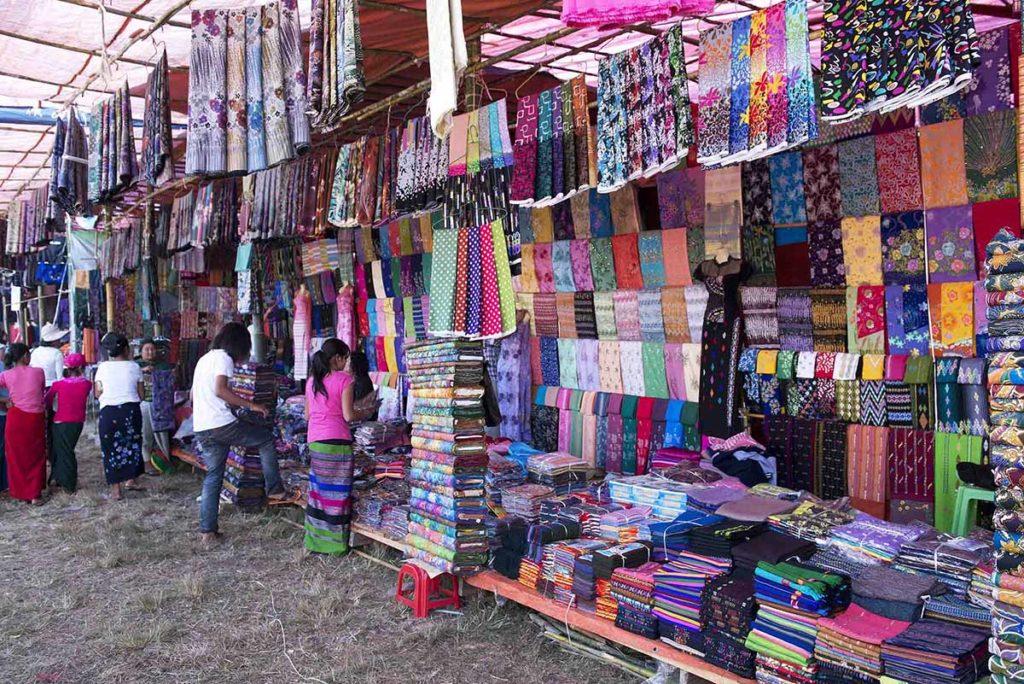 myanmar-loikaw-padaung-markt-textiel