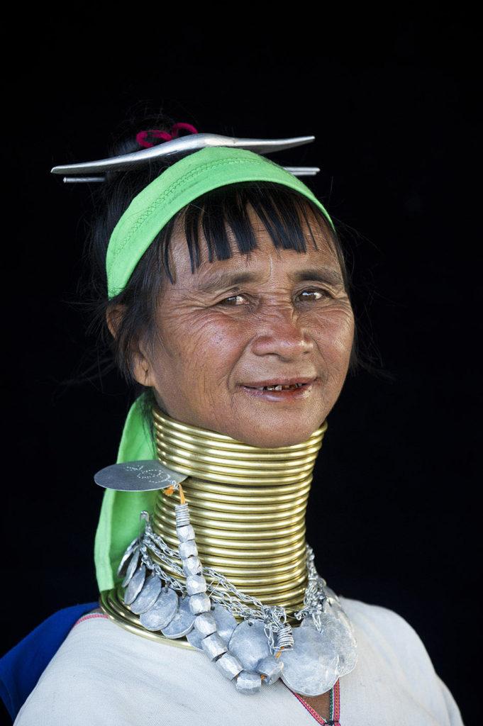 myanmar-loikaw-padaung-vrouw-sieraden