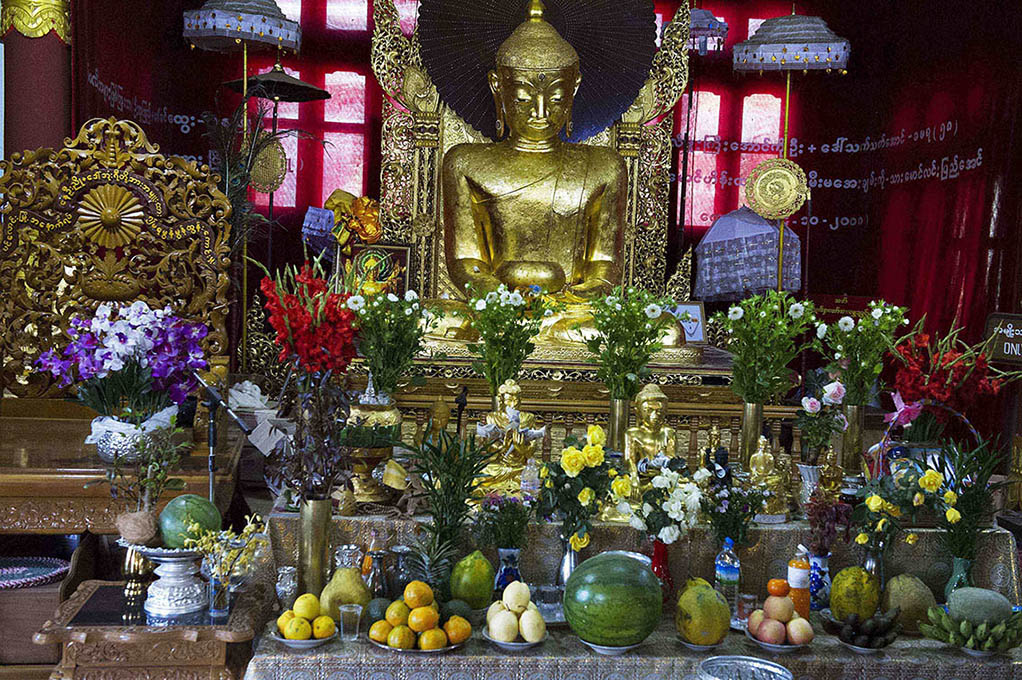 myanmar-yangon-tempeloffers-boeddisme