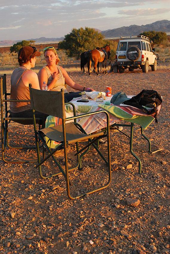 namibië-naukluft-paardrijden-sundowner
