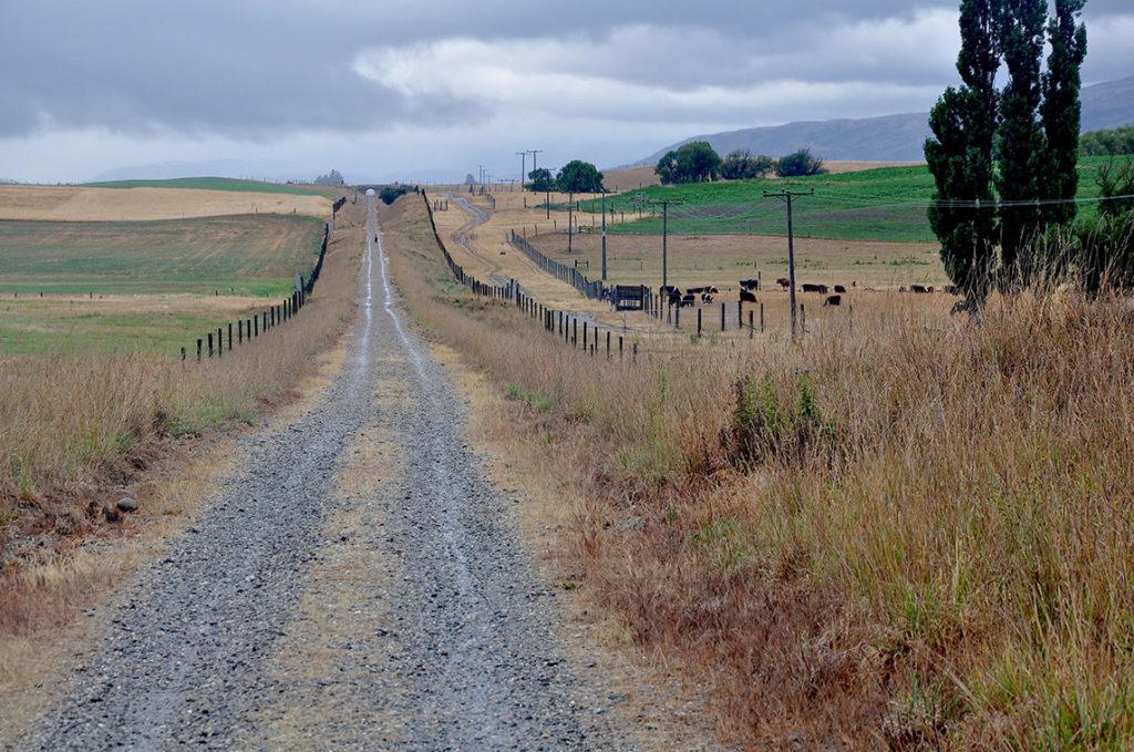 nieuw-zeeland-otaga-rail-trail-verlaten-weg