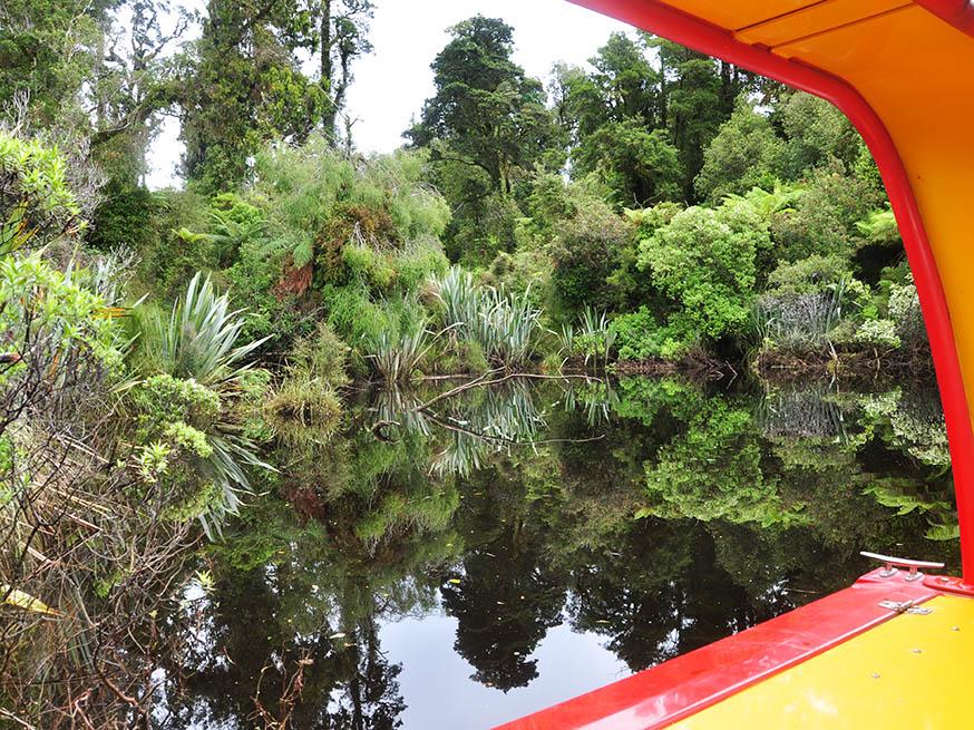 nieuw-zeeland-waiatoto-river-safari-uitzicht