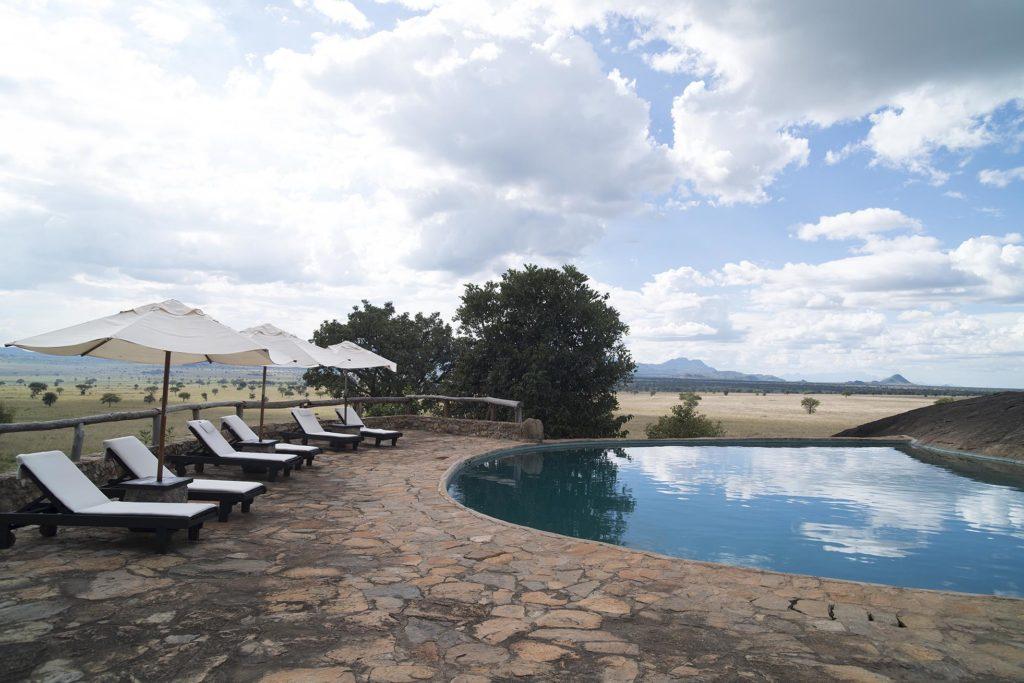 oeganda-kidepo-apoka lodge-zwembad