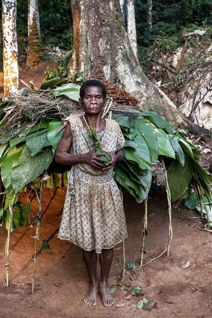 kameroen-baka-pygmeeën-tribes-vrouw