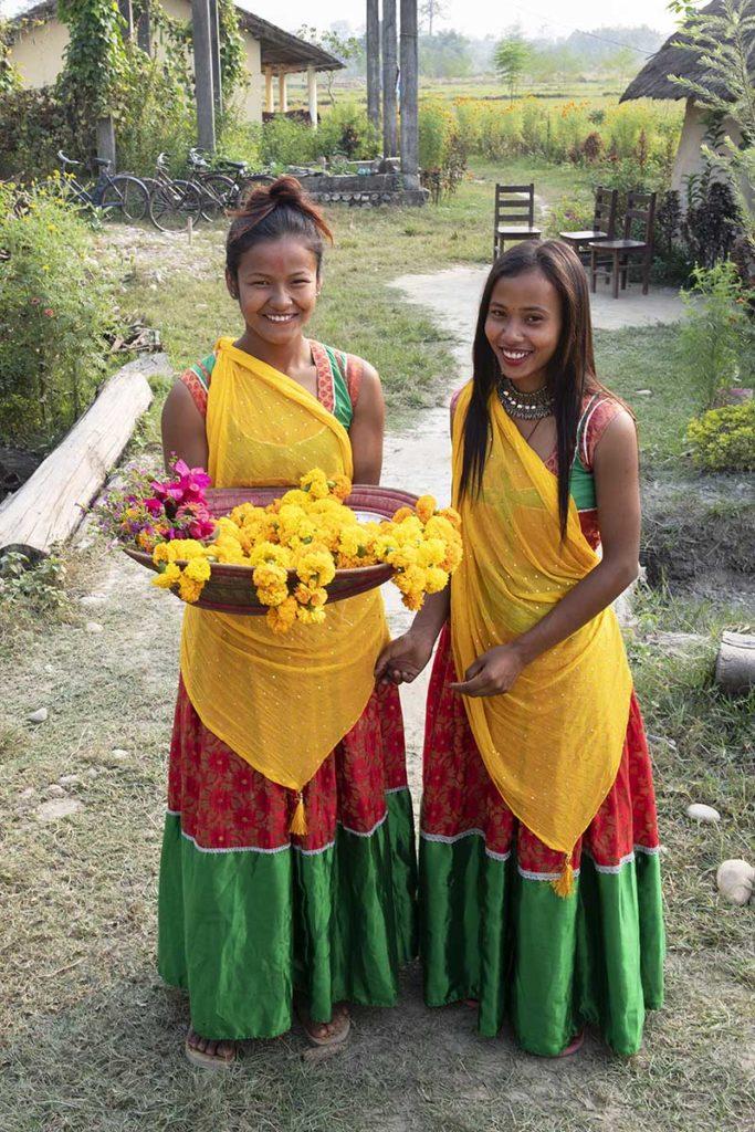 nepal-dalla-homestay-ontvangst-bloemen