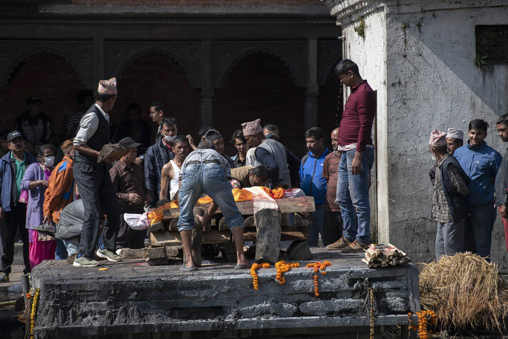 nepal-pashupatinath-crematie