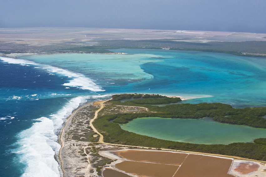 bonaire-lac bay-luchtfoto-dos-winkel