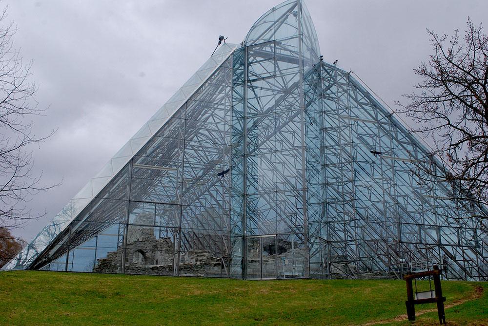 hedmarlsmuseet-hamar-kathedraal-buitenkant- hamar-noorwegen