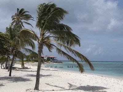venezuela-los-roques-view-beach