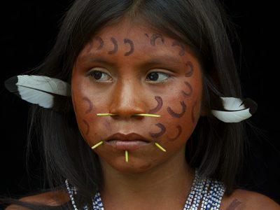 venezuela-yanomami-girl